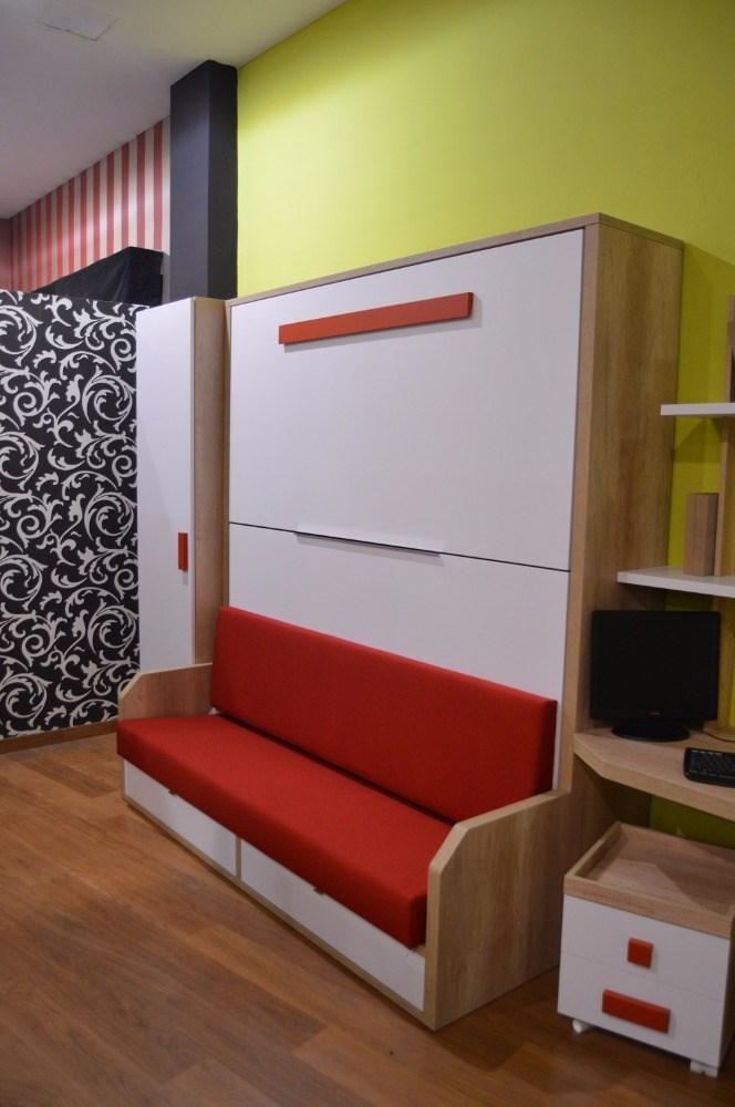 Dormitorio con litera abatible con sof versatyle for Dormitorios con literas