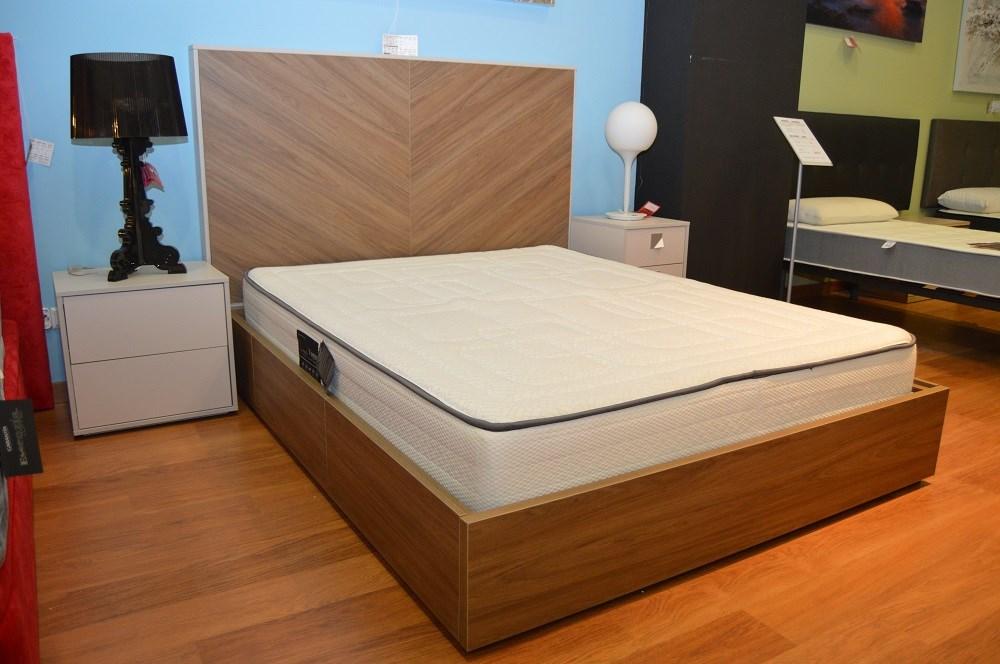 Cama con cajones y dos mesitas modelo nox 2 for Ofertas dormitorios matrimonio